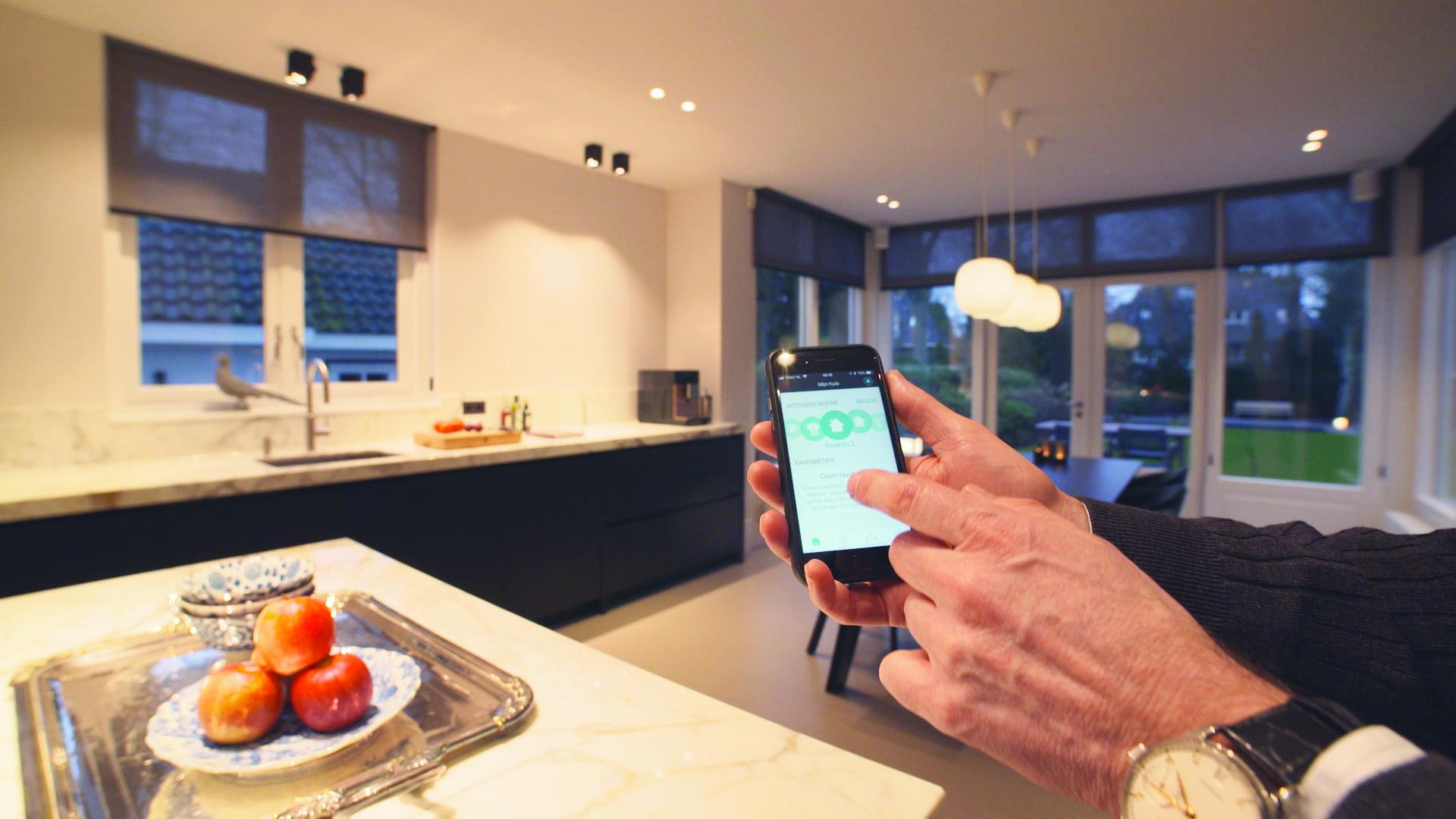 jung enet smart home bij verbouwing stadsvilla hateha. Black Bedroom Furniture Sets. Home Design Ideas